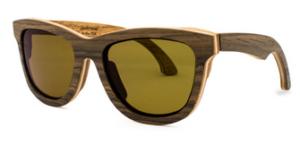 lunettes de soleil en bois de guitare